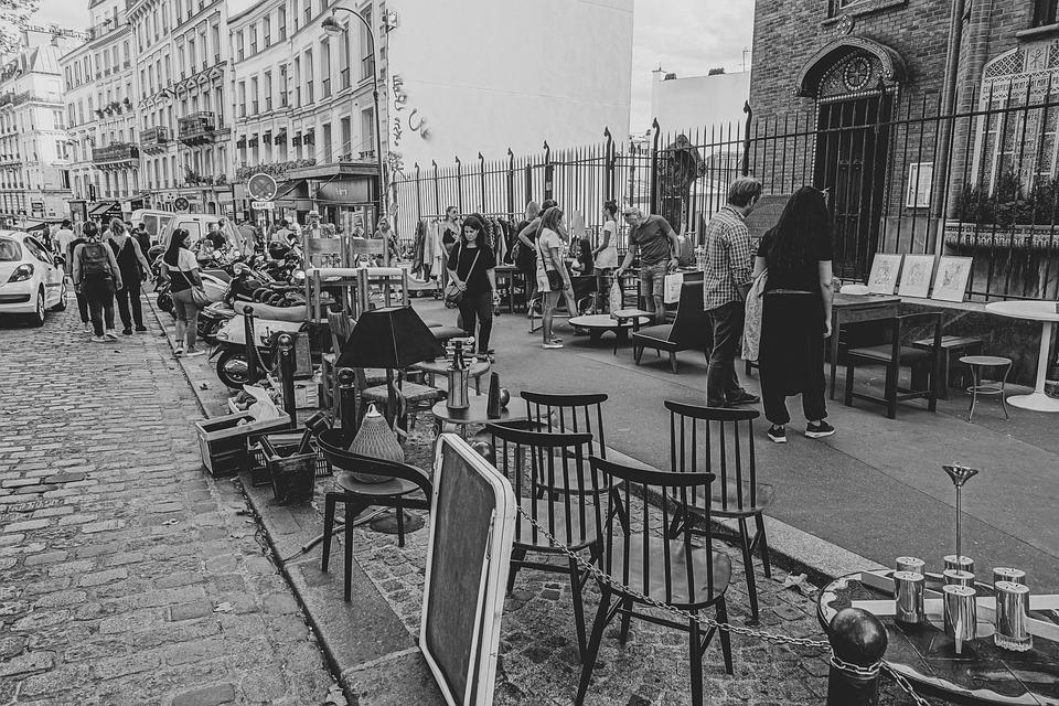 В Париж, в гости к Славе Полунину.
